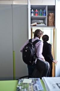 Dorota pokazuje swój gabinet-szafę